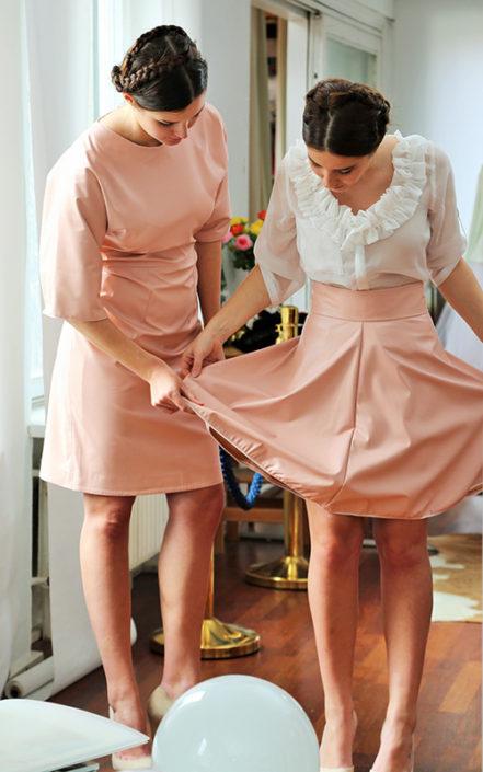 Fesch 441x705 Samtherz – Trachten Couture