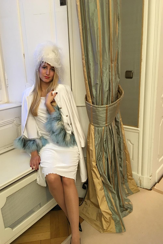 Hochzeitskleid Marabufedern - Samtherz
